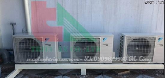 Lắp máy lạnh nối ống gió daikin cho nhà phố hiện đại .